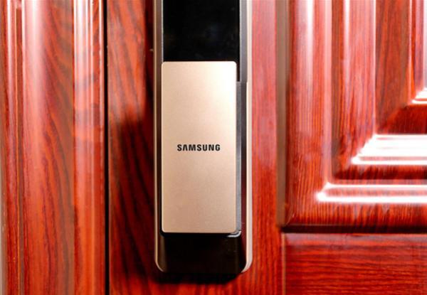 三星DP609智能指纹锁六大解锁方式评测,开门原来可以如此优雅